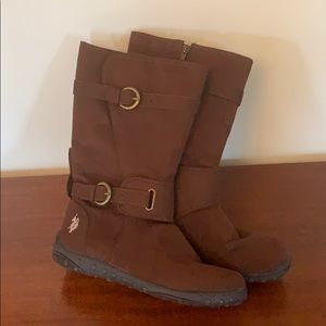 Brown leather boots by Raulph Lauren US Pollo Assn